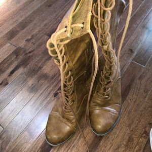 Rocket dog lace up boots